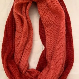 Accessories - Pink ombré infinity scarf